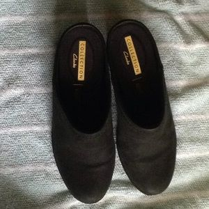 Clarks Suede Clogs Mules Heeled Slip On Shoes 8 M
